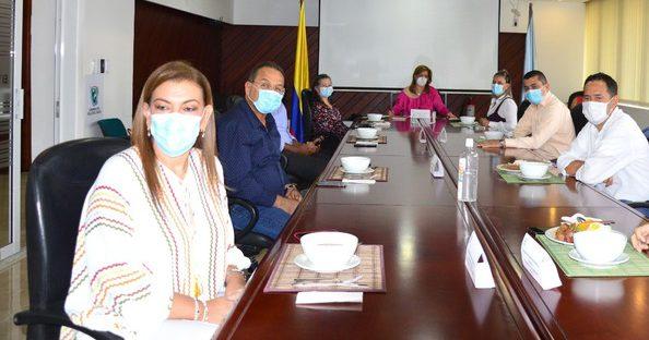 En reunión con la Gobernadora Clara Luz Roldán, directores de hospitales manifestaron su preocupación por no pago de las Eps