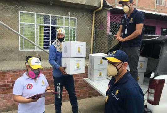 Gobernación del Valle entregó ayudas básicas a familias afectadas por incendio en Yumbo