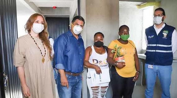 Ospina entregó 60 apartamentos en ciudadela Río Cauca II e hizo un llamado a construir barrio y solidaridad