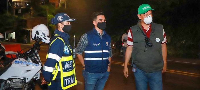 Autoridades evitan que personas se trasladen a municipios vecinos