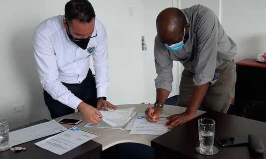 Gobernación del Valle y Alcaldía Distrital de Buenaventura firman pacto por la reactivación económica
