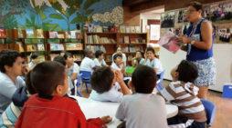 Editorial Norma hace donación a la Red de Bibliotecas Públicas