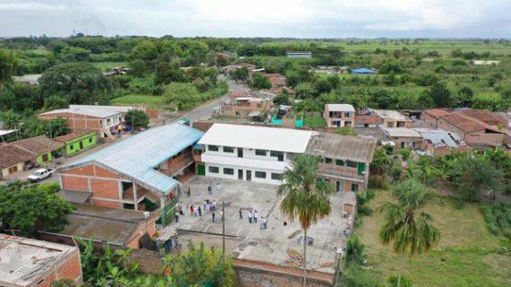 263 estudiantes del municipio de Florida, disfrutarán de renovada sede educativa