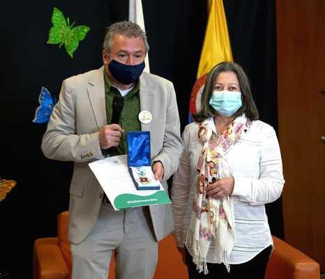 Con la Orden al Mérito Vallecaucano, la Gobernación del Valle reconoció al Instituto para Niños Ciegos y Sordos en sus 80 años
